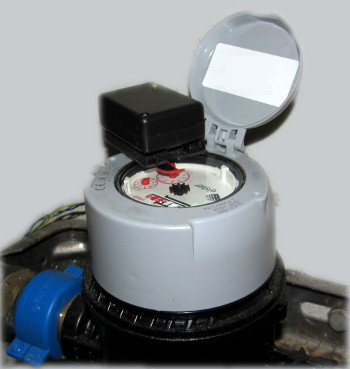 Water meter with infrared light barrier